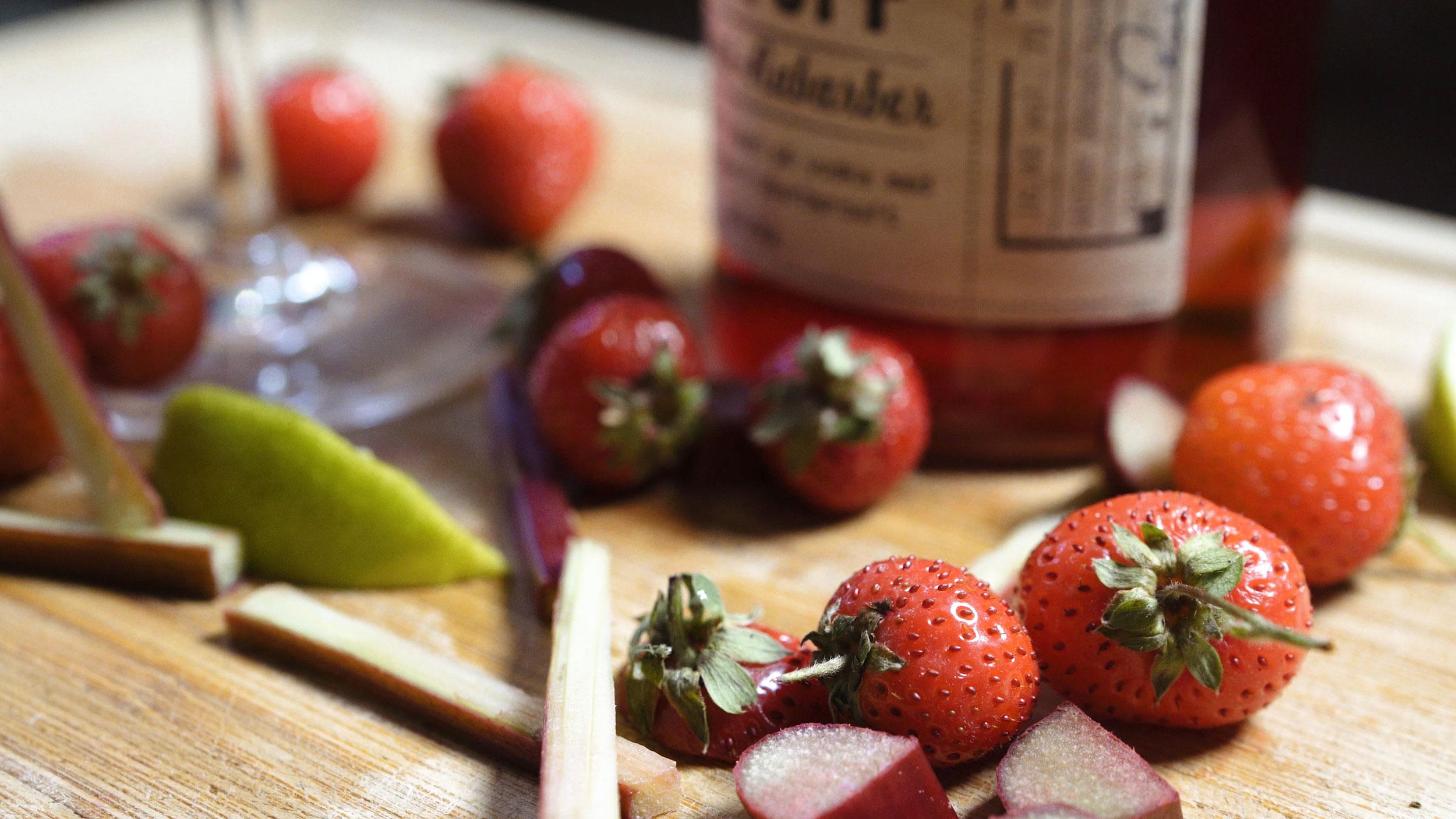 jordbær-råstof-flaske